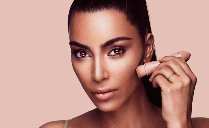 праздничный макияж Ким Кардашьян