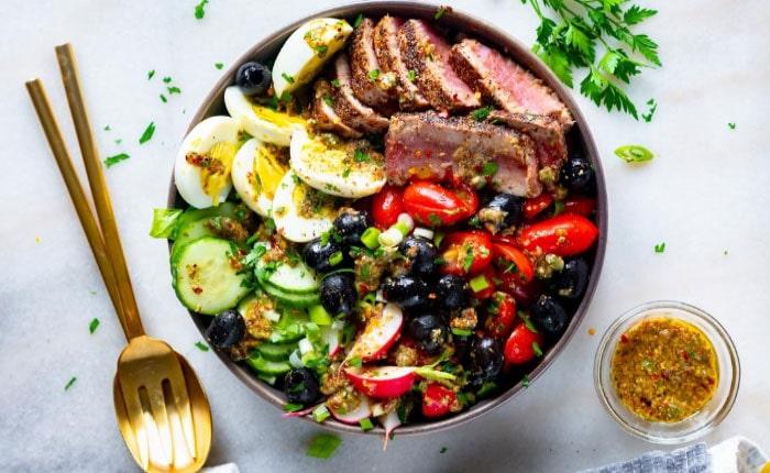 Салат Нисуаз — лучшие рецепты с тунцом и лососем