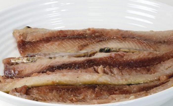 Салат Царская шуба с красной рыбой рецепт с фото пошагово - 1000.menu